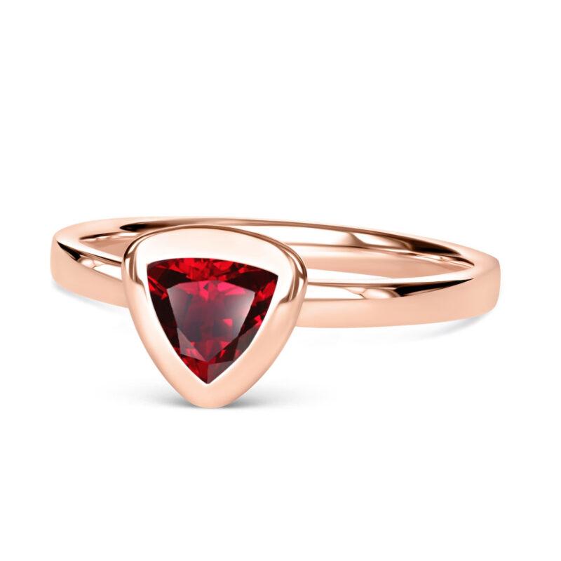 Lab-grown Rubin TRILLION Ring aus 18Karat (750) C02-neutral recyceltem Roségold